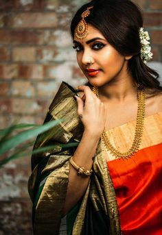 Photography Poses Indian Wear 29 New Ideas Beautiful Girl Indian, Beautiful Saree, South Indian Bride, Indian Bridal, Sari, Modeling Fotografie, Saree Poses, Saree Photoshoot, Indian Wedding Photography