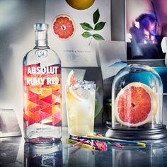 The taste of Absolut Ruby Red is smooth and fruity with a crisp and refreshing character of zesty grapefruit.