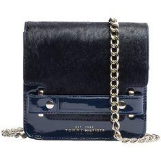Tasche 199,00 € ♥ Hier kaufen: http://www.stylefruits.de/tasche-in-fell-optik-tommy-hilfiger/p4764652