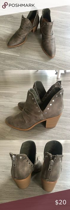 Report Ferguson bootie ✨ Pretty grey green booties Silver stud detailing  Zipper on back Small scuff on right bootie New, never worn without box  Only tried on Report Shoes Ankle Boots & Booties Bootie Boots, Ankle Boots, Green And Grey, Clogs, Booty, Zipper, Best Deals, Pretty, Things To Sell