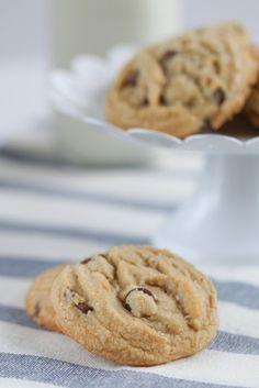 Ritz Carlton Salted Chocolate Chip Cookies | foodnfocus.com
