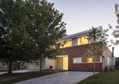 View the full picture gallery of Brick House