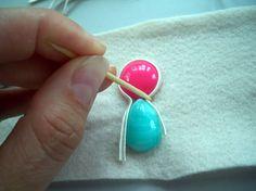 How To Make Beads, Beaded Embroidery, Gemstone Rings, Drop Earrings, Gemstones, Diy, United Nations, Jewelry Ideas, Macrame