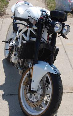 2005 Ducati Monster Completely Custom - EvolutionM - Mitsubishi Lancer and Lancer Evolution Community Ducati Monster S4r, Ducati Monster Custom, Ducati Motor, Ducati Superbike, Mitsubishi Lancer, Cars For Sale, Evolution, Motorcycle, Community
