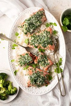 15 Minute Baked Salmon with Parmesan Crust super healthy and full of flavor. This salmon is made with delicious fresh herbs and garlic. Real Food Recipes, Healthy Recipes, Top Recipes, Delicious Recipes, Organic Recipes, Ethnic Recipes, Clean Eating, Eating Healthy, Healthy Food