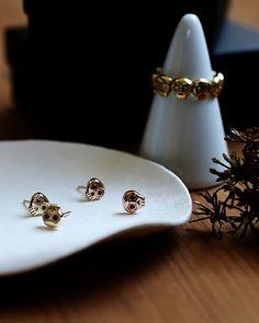 Mini Muertos Earrings/ 14K gold and rubies | yajewelry
