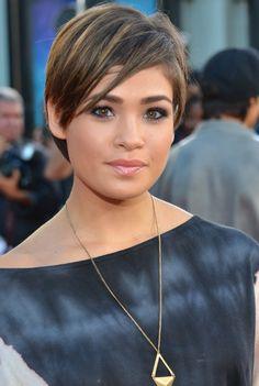 2012 - 2013 Popular Short Hairstyles for Women: Layered Razor Cut