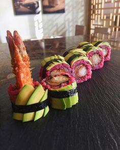 My favorite colors #sushijeddah#solisushi#sushiazerbaijan#jeddah#vsco#vscofood#vscoazerbaijan#vscoturkey#sushi#food#foodstagram#dubai#kuwait#japanesefood#asianfood#instafood#eljanmammadli#truecooks