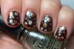 Matte with metallic dots