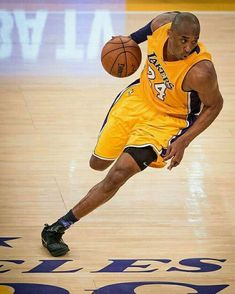 Kobe Bryant Quotes, Kobe Bryant 8, Kobe Bryant Family, Dear Basketball, Basketball Legends, College Basketball, Kentucky Basketball, Kentucky Wildcats, Nba Pictures