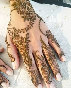 Beautiful bride Nimra opted for Indian style henna on palms and gulf style on backs of hands! I loved creating this for her . Khafif Mehndi Design, Floral Henna Designs, Finger Henna Designs, Simple Arabic Mehndi Designs, Henna Art Designs, Mehndi Designs For Girls, Mehndi Designs 2018, Stylish Mehndi Designs, Dulhan Mehndi Designs