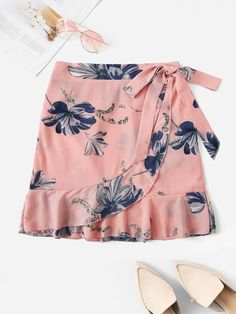 To find out about the Plus Floral Print Ruffle Hem Wrap Skirt at SHEIN, part of our latest Plus Size Skirts ready to shop online today! Floral Print Skirt, Floral Prints, Skirts For Sale, Plus Size Skirts, Ruffle Skirt, Printed Skirts, Fashion Outfits, Steampunk Fashion, Gothic Fashion