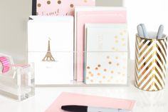omg these cards are sooo cuteeee. today mums taking me to the craft store, and it is now my mission to find a clear card holder. now I need to also buy some cards! (pink and gold duh!)