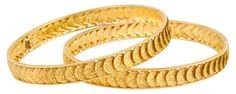 Indian Jewellery and Clothing: Designer gold bangles from Orra diamonds and jewellers. Arabic Jewelry, Egyptian Jewelry, Indian Jewelry, Kerala Jewellery, Gold Chain Design, Gold Bangles Design, Jewelry Design Earrings, Gold Jewelry, Gold Bracelets