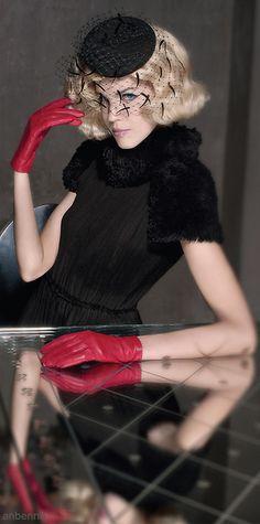 Harper's BAZAAR en Español | Model: Michelle Westgeest @ Viva Agency | Paris Photographer: Benjamin Kanarek