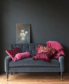 love the couch and pink pillows