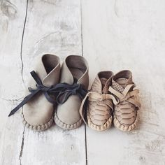 Pina booties from Donsje. Hand made with lots of love. Look for more colors in our webshop. Baby Girl Shoes, Girls Shoes, Cute Babies, Baby Kids, Beautiful Baby Girl, Boot Brands, Kids Boots, Toddler Shoes, Kids Outfits