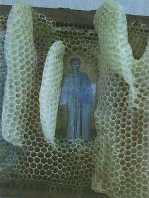Πνευματικοί Λόγοι: Οι μέλισσες σέβονται τα Άγια Πρόσωπα και άφησαν άθικτη την εικόνα του Αγίου Στεφάνου