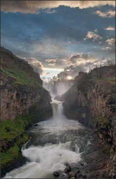Amazing Snaps: White River Falls, Oregon