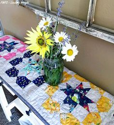 Tutorial: Table Runner from 4 Blocks – Quilting Beginner Quilt Patterns, Quilting For Beginners, Quilting Tutorials, Quilting Projects, Sewing Projects, Quilting Ideas, Quilting Blogs, Block Patterns, Quilting Patterns