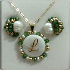 Nácar con perlas y cristales checos