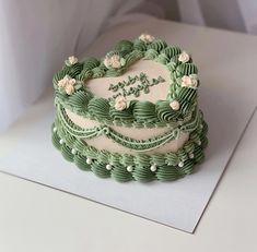 Pretty Birthday Cakes, Pretty Cakes, Mini Cakes, Cupcake Cakes, Korean Cake, Pastel Cakes, Frog Cakes, Cute Baking, Gateaux Cake