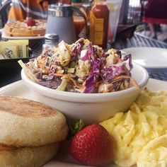 Taking a breaking from working and having brunch with the fam. Successfully did made it through not having the waffles. I'm having scrambled eggs English muffin and double blue cheese slaw. Since it's 80 degrees were taking advantage of one of favorite patios in #bishoparts.