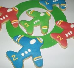 wayyy easier and still cute Birthday Themes For Boys, Baby 1st Birthday, 2nd Birthday Parties, Birthday Ideas, Baby Cookies, Baby Shower Cookies, Cookies Et Biscuits, Sugar Cookies, Vintage Airplane Theme