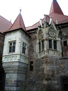 3 Romanian Castles You Must Visit At Least Once In Your Lifetime. Corvinesti Castle, Hunedoara, Romania
