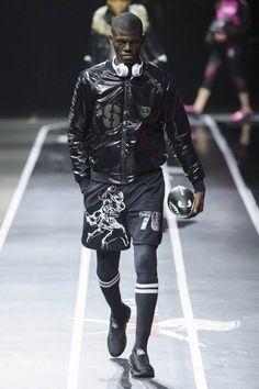 Male Fashion Trends: Plein Sport Fall-Winter 2017 - Milan Fashion Week http://www.99wtf.net/men/mens-fasion/mens-urban-trouser-2016/