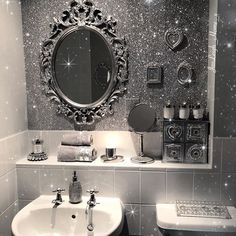 Glitter Paint and Wallpaper Trend Ideas | POPSUGAR News #GlitterWalls