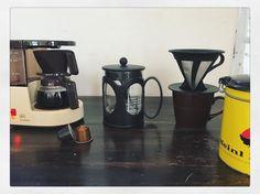 No coffee No life!  美味しいコーヒー飲みたい  今日はどれで飲もうかなぁ   コーヒーメーカー ステンレスフィルター プレス ネスプレッソ   今日はレトロなアロマボーイくんに決まり   #coffee #coffeetime  #コーヒー #foodpic#foodpic #朝ごはん #breakfast #biscotti #シリアルバー #手作りおやつ #おやつ #いただきます #スイーツ #手作りスイーツ #エスプレッソ#キッチングラム #食卓 #子供のいる暮らし #子供と暮らす #アンティーク #おしゃれカフェ #おうちカフェ #コーヒータイム  #おやつ#チョコ #手作りお菓子 #暮らし  #今日のおやつ #コーヒー#おやつ時間 #クッキングラム #おうちカフェ