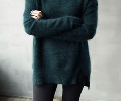 8kse2m-l-610x610-sweater-long-green+sweater-fluffy-oversized+sweater-dark+green+sweater-dark+green-black+leggings-forest+green-fall+outfits-fall+sweater-fux-atropina-tumblr.jpg (610×511)