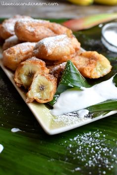 Deep fried bananas with a beautiful sweet coconut sauce. Lovely and crunchy, battered & deep fried, these banana fritters are a super easy and delicious to make. Coconut Buns, Coconut Syrup, Coconut Sauce, Coconut Cream, Tongan Food, Samoan Food, Beignets, Deep Fried Bananas, Donuts