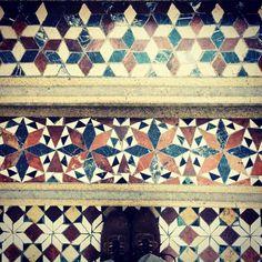 #mosaic #mosaico #mozaika #mosaicfloor #terazzo #floor #floorsthatilove #fromwhereistand #lookingdown #IHaveThisThingWithTiles #ihavethisthingwithfloors #tilephile #TileAddiction #selfeet #chaoqueeupiso #amazingfloorsandwanderingfeet #scuolamosaicistidelfriuli #vscocam by a_kwiat