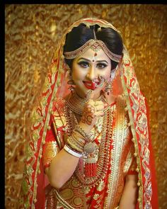 Indian Bride Photography Poses, Indian Bride Poses, Indian Wedding Poses, Indian Bridal Photos, Photography Couples, Couple Wedding Dress, Wedding Girl, Bridal Poses, Bridal Photoshoot