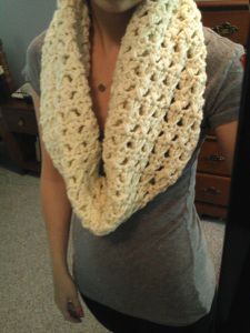 Crochet Scarf Pattern-Easy. Someday I will learn how to do this!