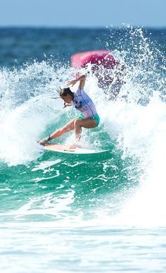 Courtney Conlogue. One of my favorite surfers right now. She rips!