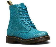 - Pascal Dr Martens 1460 Pascal Glitter women's boots in turquoise. Dr Martens 1460, Doc Martens Stiefel, White Doc Martens, Dr Martens Outfit, Doc Martens Style, Botas Grunge, Doc Martins Boots, Dr Martins, Glitter Boots