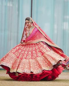 Looking for Bridal Lehenga for your wedding ? Dulhaniyaa curated the list of Best Bridal Wear Store with variety of Bridal Lehenga with their prices Indian Bridal Lehenga, Indian Bridal Outfits, Indian Bridal Fashion, Bridal Dresses, Pink Lehenga, Bollywood Lehenga, Lehenga Blouse, Dulhan Dress, Wedding Lehenga Designs