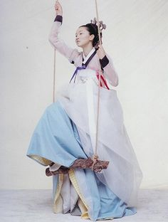 Korea is done for me, but the Hanbok is a good reason to go back. : Korea is done for me, but the Hanbok is a good reason to go back. Korean Traditional Dress, Traditional Fashion, Traditional Dresses, Vogue Korea, Korean Dress, Korean Outfits, Korea Fashion, Asian Fashion, Modern Hanbok