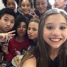 Mackenzie ziegler on the set of her new music video I Gotta dance