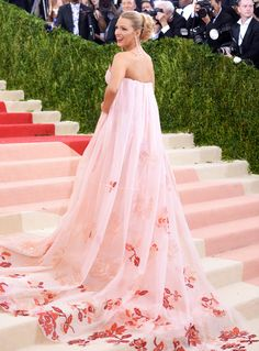 Met Gala Gowns You Need to See from Every Angle | People - Blake Lively in Burberry