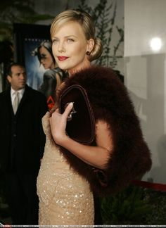 Aeon Flux' Premiere December 1, 2005 Arclight Cinemas, Los Angeles, California Mighty Joe, The Devil's Advocate, Atomic Blonde, Bright Stars, Charlize Theron, Beautiful Actresses, American Actress, Hedy Lamar, Aeon Flux