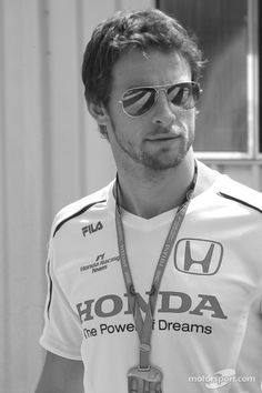 Formula 1 Drivers are hotter than you think Jenson Button Morably Gorgeous Men, Beautiful People, Gp F1, Michael Schumacher, F1 Drivers, Alonso, Sports Stars, Famous Men, Sport Man