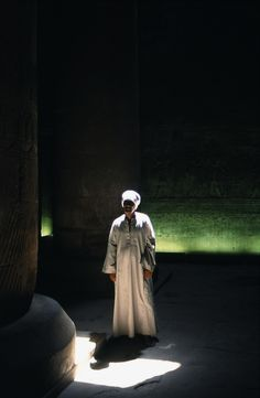 Karnak Temple, Egypt. Photo by Fernando de Brito Meireles Sun Worship, Photo Competition, People Of The World, Ultimate Travel, Us Travel, Egypt, Travel Destinations, Sunrise, Tours
