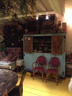 Showroom, Corner Desk, Furniture, Home Decor, Homes, World, Corner Table, Decoration Home, Room Decor