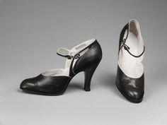 Pair of ladies' shoes, Baldwin Smith Ltd. Shoe Box Lids, Comfortable Heels, Evening Shoes, Vintage Shoes, Strap Heels, Vintage Fashion, Vintage Style, Leather Shoes, Character Shoes