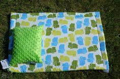 Kocyk i poduszka do wózka dziecięcego #wózek #handmade #rękodzieło #niemowlę #dladziecka #baby #forbaby #kids #zoo #hipopotam #babyboy Zoo, Quilts, Blanket, Comforters, Blankets, Quilt Sets, Shag Rug, Log Cabin Quilts, Lap Quilts