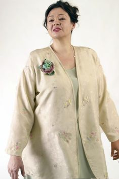 Peggy Lutz Plus: www.plus-size.com Unique jackets for women Sizes 14 - 36, mother of the bride, special occasion, artwear, elegant and unique women's clothing,xoPeg #PeggyLutzPlus #PlusSize #style #plussizestyle #plussizeclothing #plussizefashion #womenstyle #womanstyle #womanfashion #springwedding #summerstyle #fallstyle #fallfashion #formal #couture #divastyle #pluswedding #plusbridal